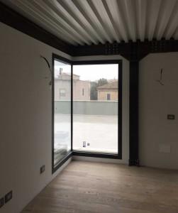 Ristrutturazione di ex capannone industriale e trasformazione in loft ad uso abitativo