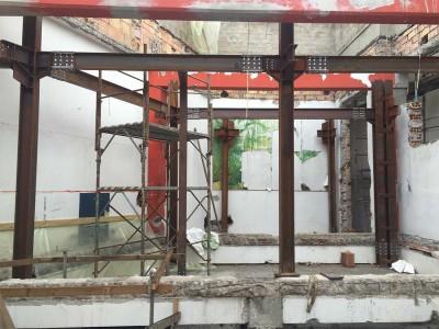 Trasformazione di ex capannone in loft con struttura in acciaio