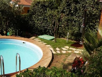 Realizzazione piscina nel giardino di abitazione privata